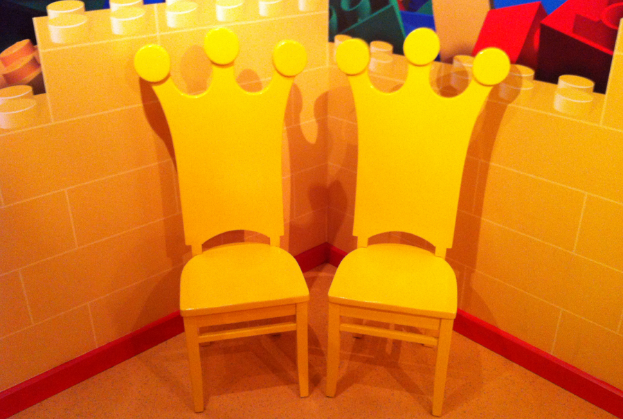 gallery - king chairs - legoland 1