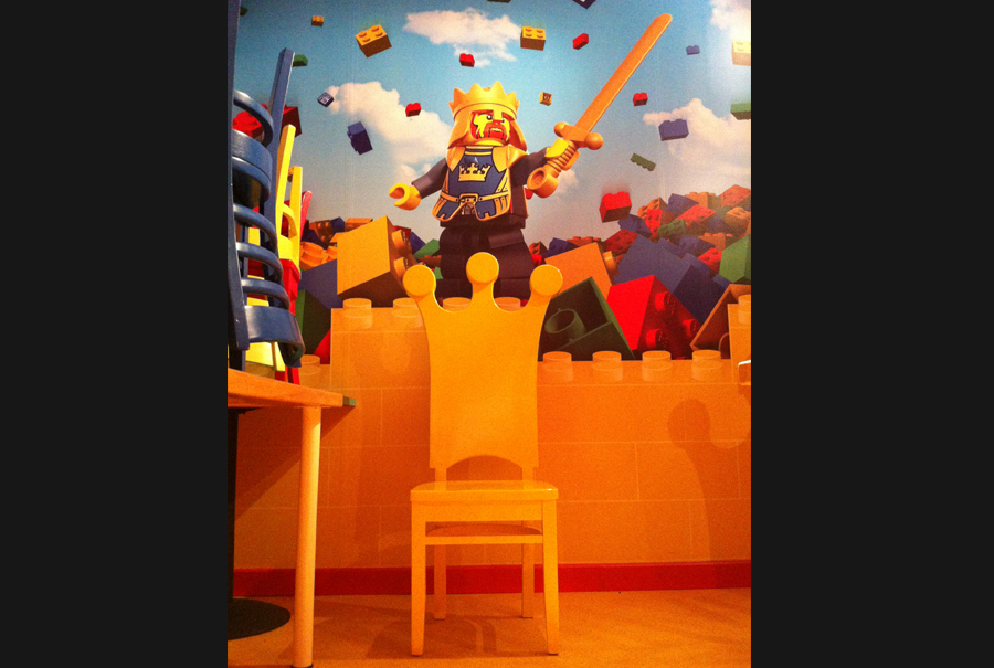 gallery - king chairs - legoland 2