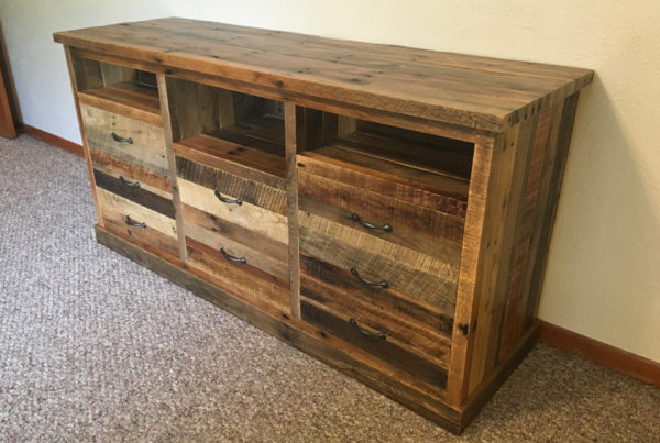 gallery - pallet entertainment center 2